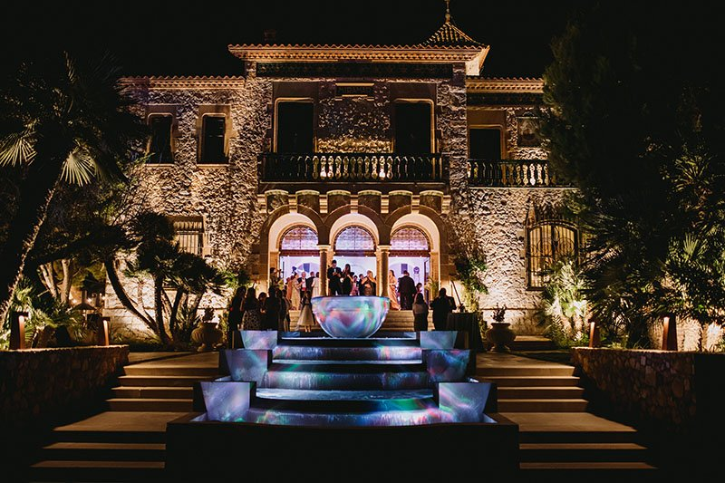wedding disco-night-lighting-outside