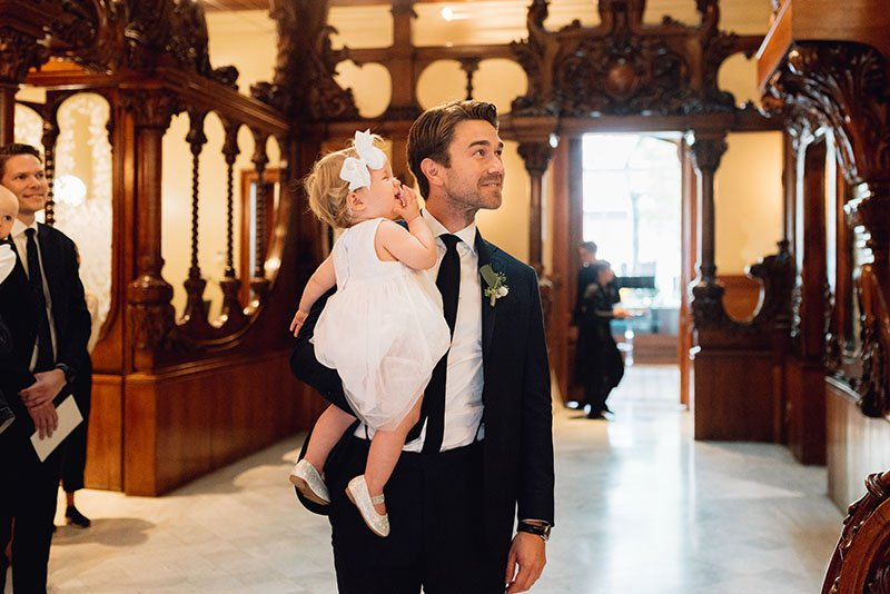 groom-and-daughter-waiting-the-bride