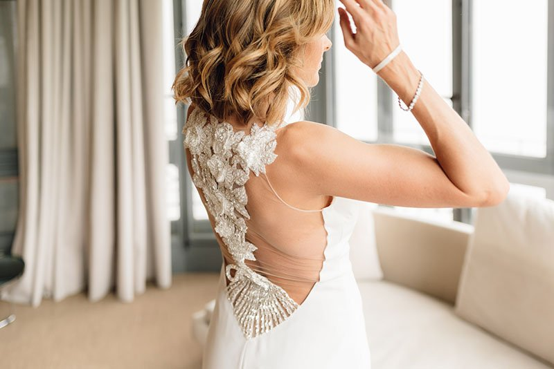 -bride-and-her-back