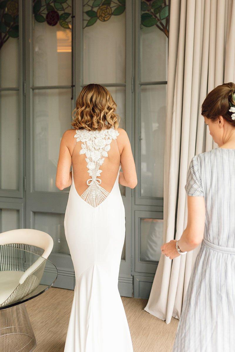 la núvia en el seu vestit