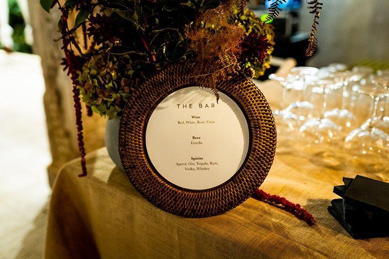 senyal al bar de la boda